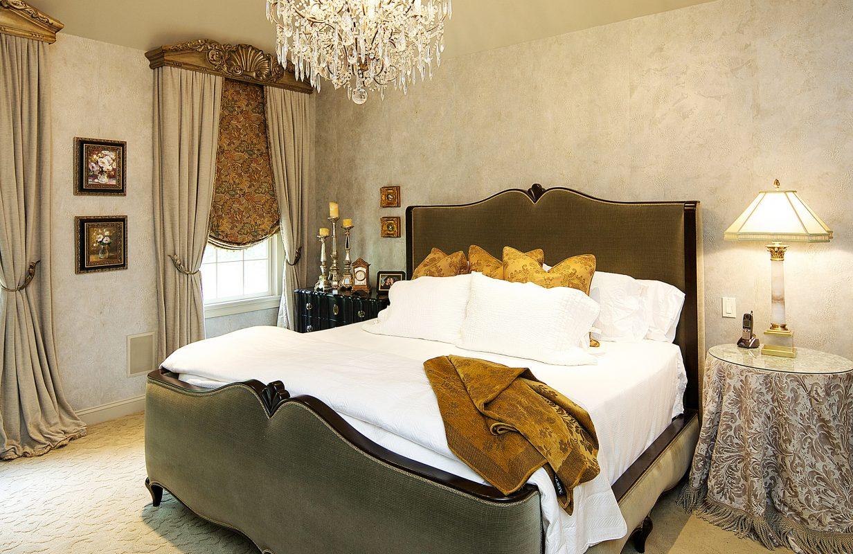 Traditional master bedroom interior design